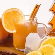 Der GLÜHGIN entfaltet mit Earl Grey Tee zu als Hommage an die britische Teekultur.