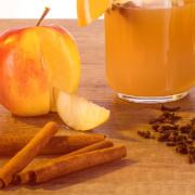 Mit heiß gemachtem, naturtrübem Apfelsaft aufgegossen, wird aus unserer GLÜHGIN die perfekte Alternative zum Glühwein!